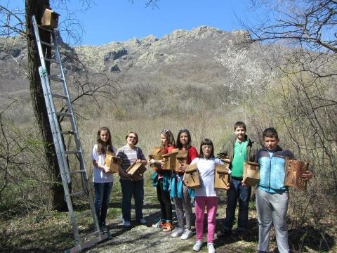 """22 март 2014 г. Изпълнение на дейности по проект """"Устойчиво управление и устройство на Природен парк """"Сините Камъни""""."""