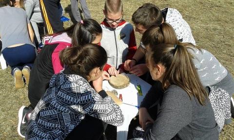 """Ученическо състезание """"На Сините камъни"""" в местността Моллова кория 2016г."""